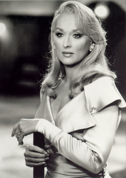 http://images.fanpop.com/images/image_uploads/Death-Becomes-Her-meryl-streep-154708_424_600.jpg