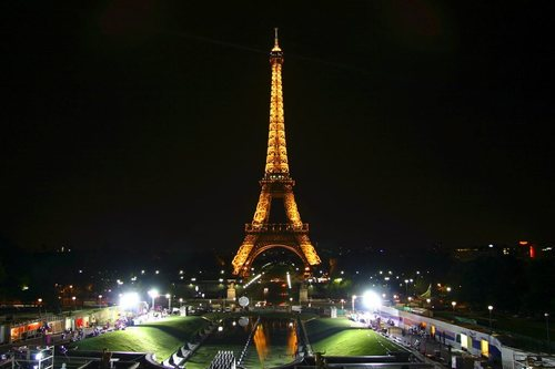Eiffel Tower - france Photo