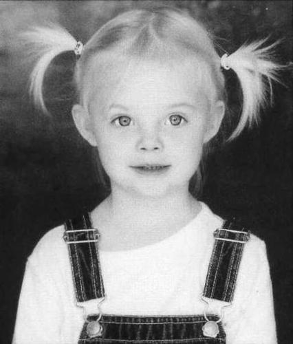 Elle Fanning Обои entitled Elle Fanning