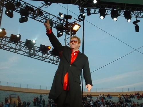 Elton John fond d'écran entitled Elton John