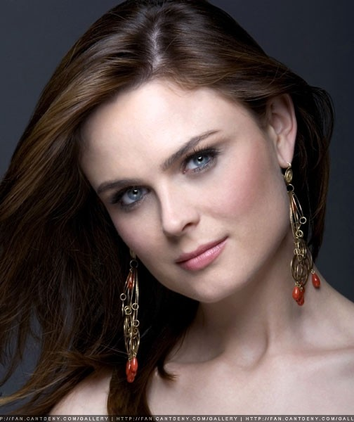 Emily Deschanel - Bones Photo (548968) - Fanpop