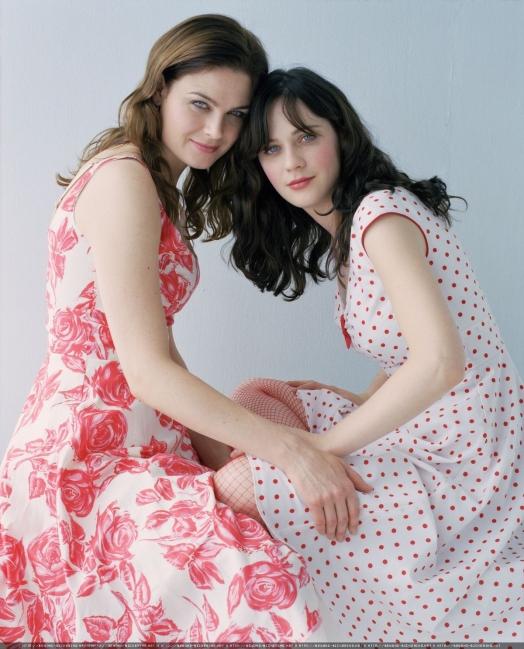 Emily and zooey deschanel deschanel photo 181468 fanpop