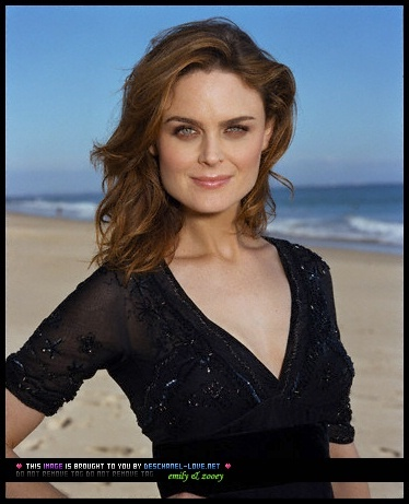 Emily Deschanel wallpaper called Emily