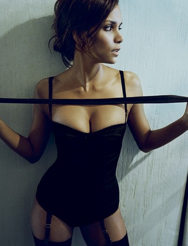 Esquire Magazine - halle-berry Photo