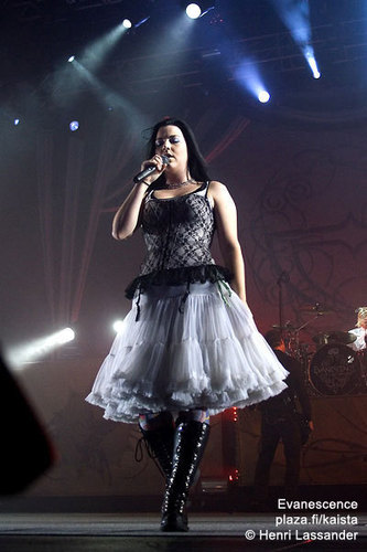 Evanescence wallpaper titled Evanescence (Live)