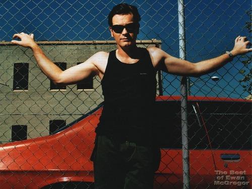 Ewan McGregor achtergrond titled Ewan