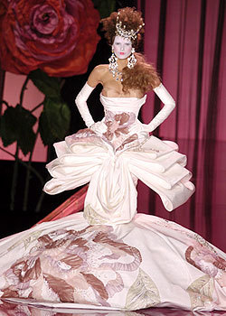 Dior wallpaper called Fall 2004: Couture