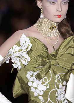 Fall 2004 Couture: Details
