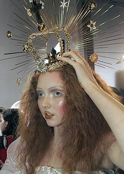 Fall 2005 Couture: Backstage