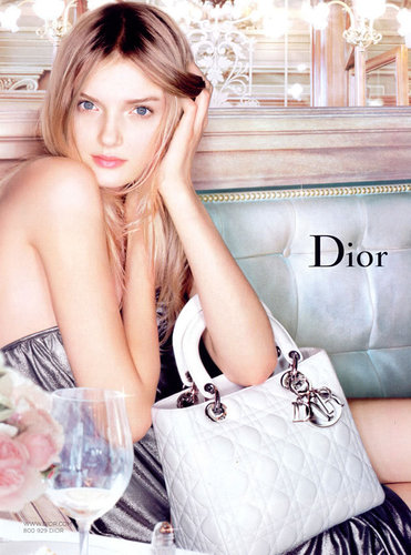 Dior wallpaper titled Fall/Wint 2006 Lily Donaldson