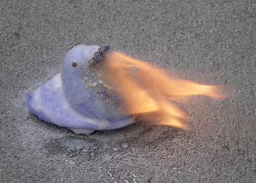 marshmallow Peeps karatasi la kupamba ukuta titled Fire-Breathing Peep