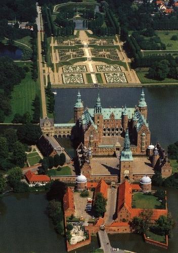 Frederiksborg lâu đài