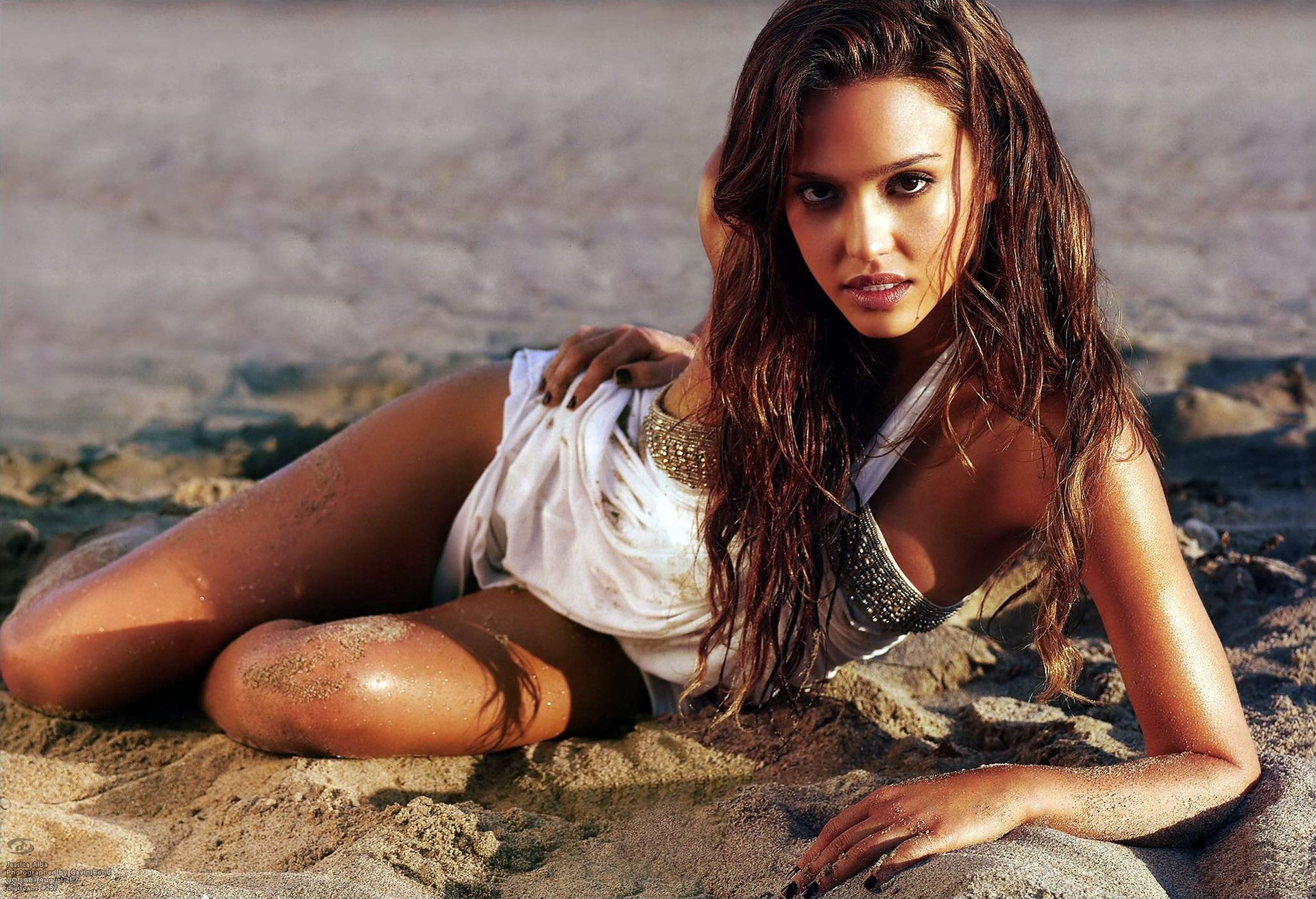 Jessica alba photo shoot 2010 cameltoe