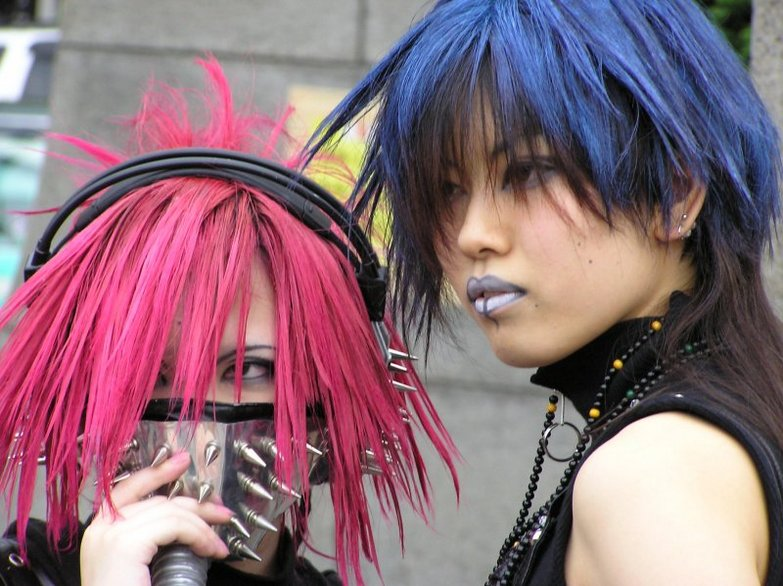 http://images.fanpop.com/images/image_uploads/Gas-Mask-japanese-street-fashion-583822_783_586.jpg