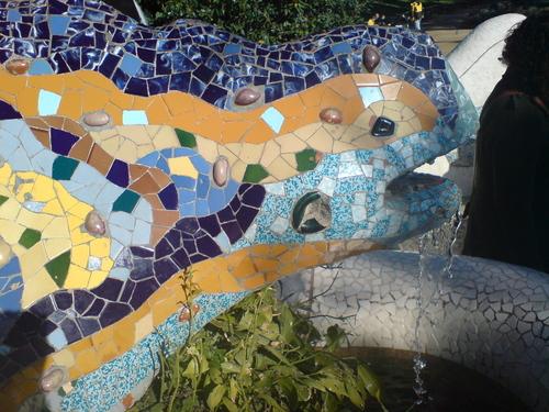 Modern Art wallpaper titled Gaudi lizard, Parc Güell