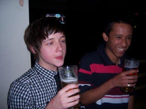 Gerran + Terry drinking