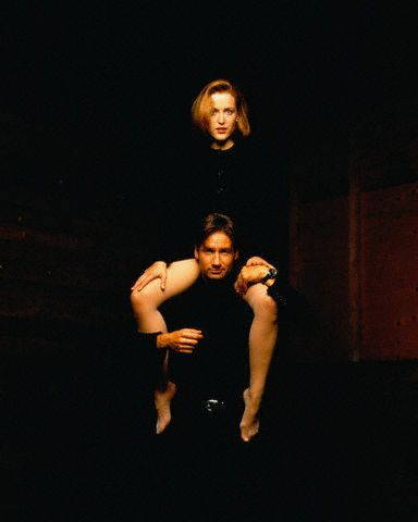 The X-Files দেওয়ালপত্র titled Gillian and David