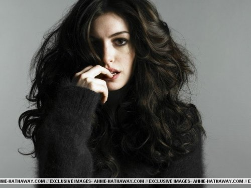 Anne Hathaway wallpaper called Glamour