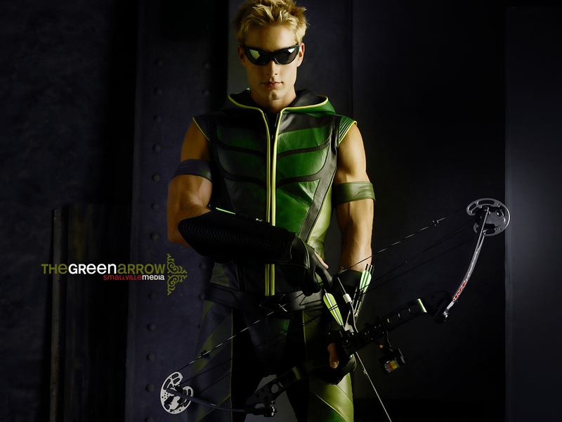 http://images.fanpop.com/images/image_uploads/Green-Arrow--smallville-432795_800_600.jpg