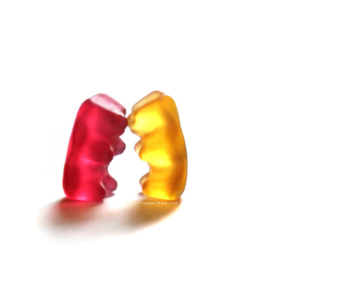 Gummy bear kiss - candy Wallpaper