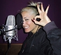 Gwen in studio - no-doubt photo