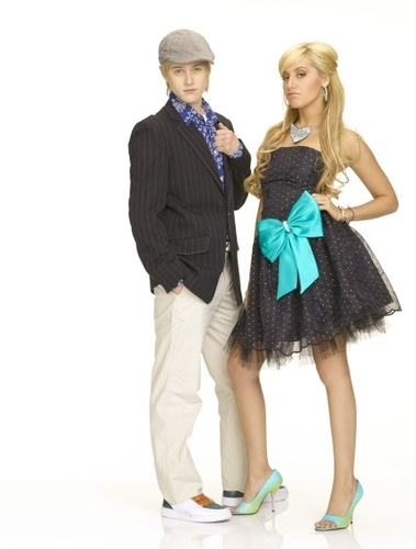 Photoshoot for High School Musical movies HSM2-high-school-musical-2-164337_379_500
