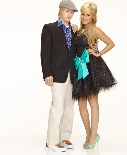 Photoshoot for High School Musical movies HSM2-high-school-musical-2-164354_410_500