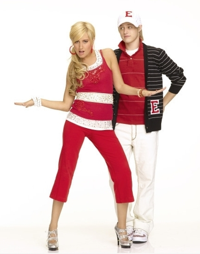 Photoshoot for High School Musical movies HSM2-high-school-musical-2-164372_393_500