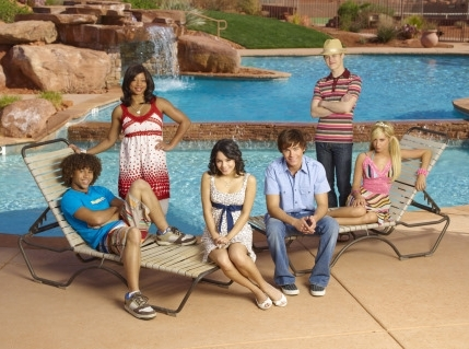 Photoshoot for High School Musical movies HSM2-high-school-musical-2-164380_429_319