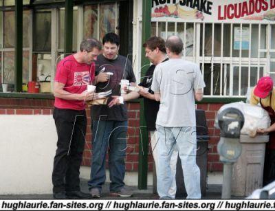 Hugh Laurie Hintergrund called Having Lunch