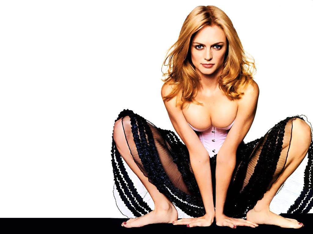 Heather Graham Sexy Pics 41