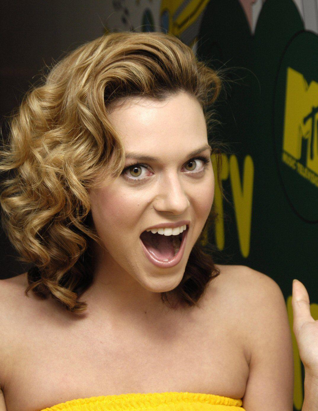 Hilarie Burton images Hilarie HD wallpaper and background photos ...