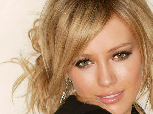 Hilary Duff wallpaper titled Hilary Duff