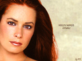 Holly Marie Combs - piper-halliwell wallpaper