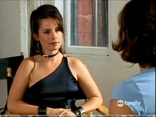 Who is dating holly marie combs