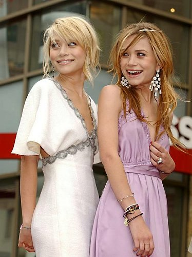 Mary-Kate & Ashley Olsen wallpaper entitled Hollywood Walk of Fame