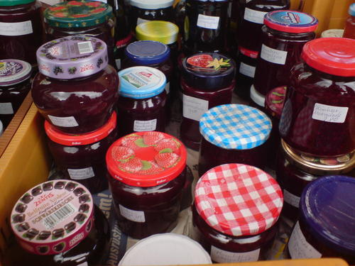 Home made jams - cooking Wallpaper