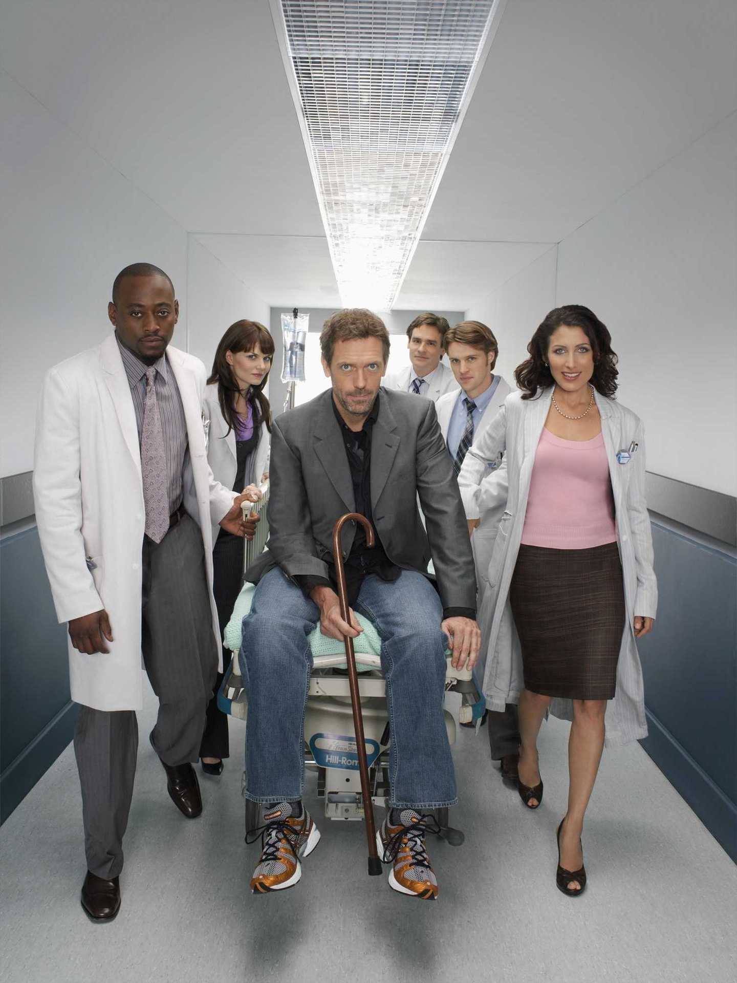Hugh and the cast of House - Hugh Laurie Photo (562901 ...