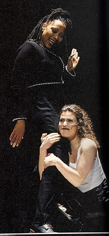 Idina in Rent