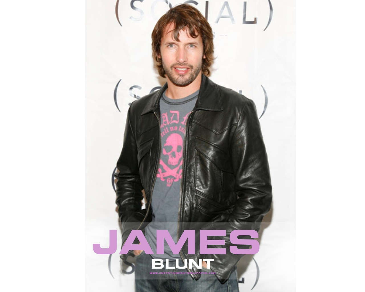 james blunt James blunt had an unusual route to pop stardom a champion skier educated at the exclusive harrow school, he was a captain in the british army and served in kosovo before leaving in 2002 to embark on his music career.