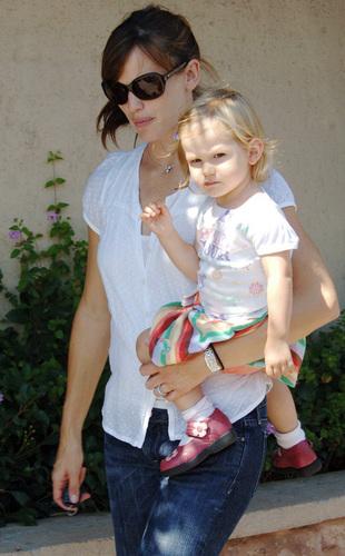 Jennifer & Daughter kulay-lila