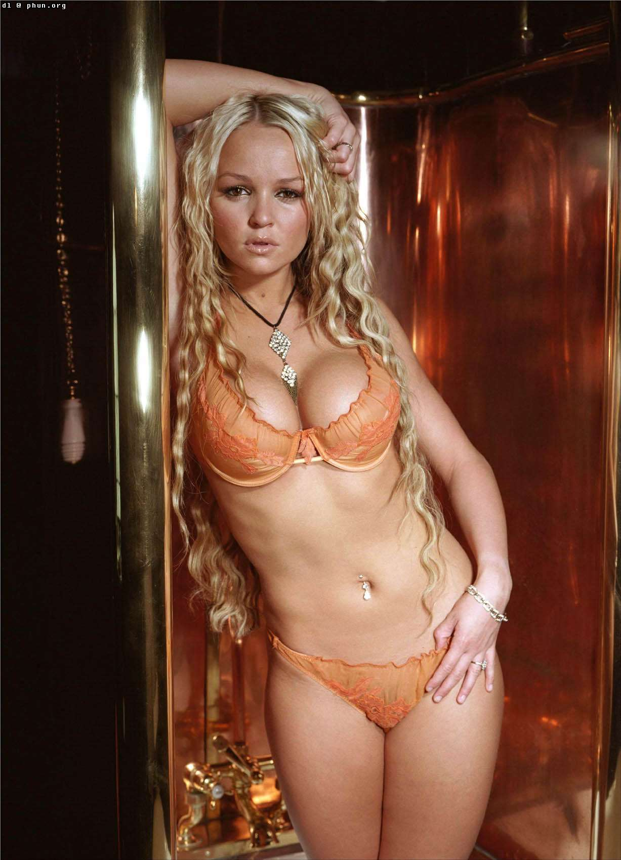 jennifer ellison bum pics