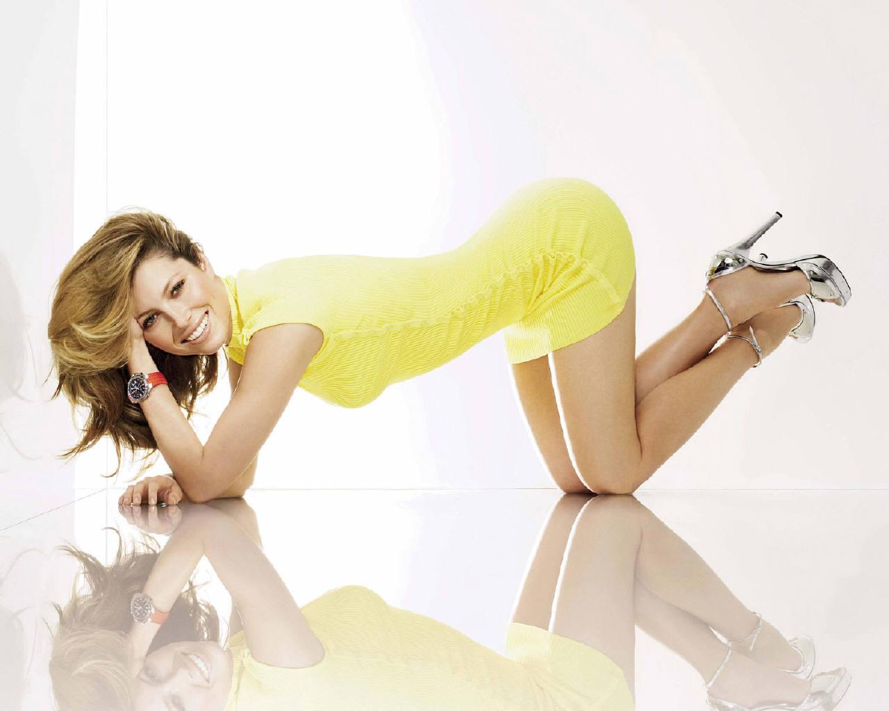 catsuit high heels doggy stellung bilder