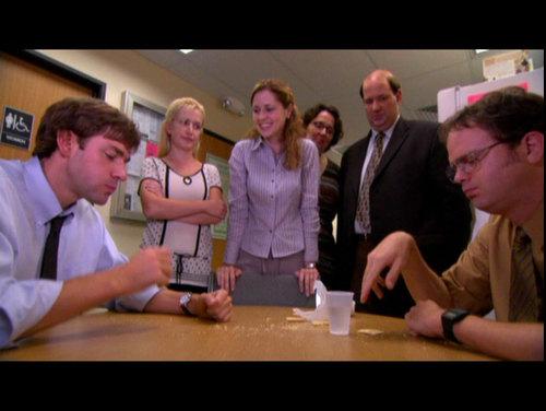Jim v Dwight - kraker, cracker Eat Off