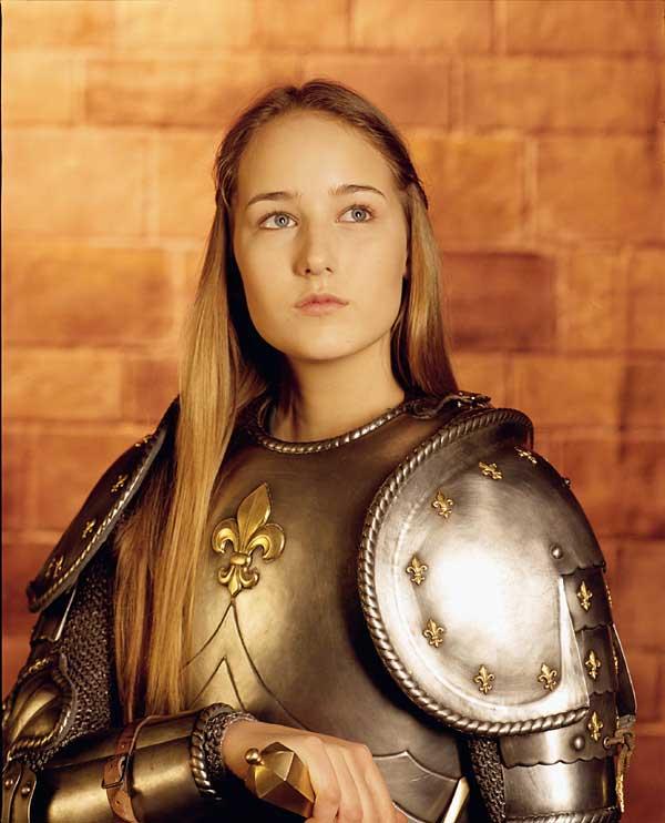Joan-of-Arc-leelee-sobieski-321507_600_742.jpg