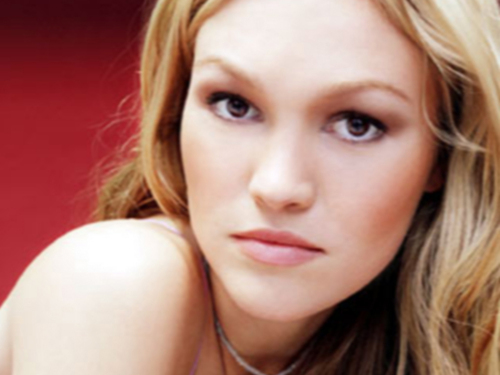 Julia Stiles wallpaper titled Julia Stiles