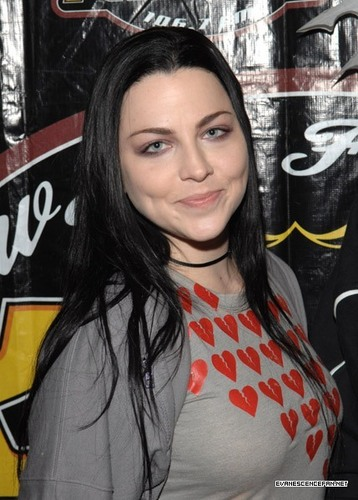 Evanescence wallpaper called KROQ Almost Acoustic Christmas