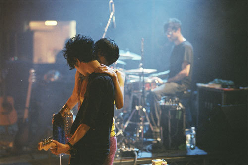 Yeah Yeah Yeahs wallpaper entitled Karen O & Nick