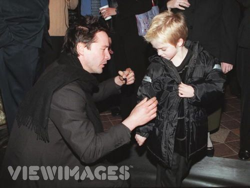 Keanu Reeves with Lil 粉丝
