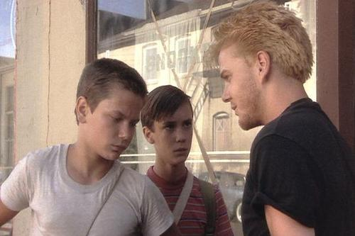 Kiefer with River Phoenix & Wil Wheaton in Stand 由 Me